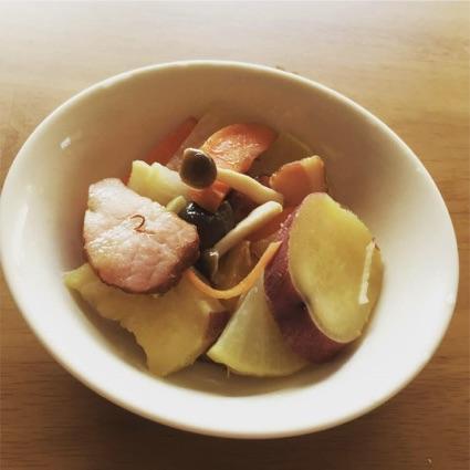 根菜とベーコンのピリ辛イタリアン